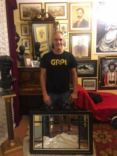 Luca Rinzafri   G.R.P.I. fotografato con il nostro famoso specchio