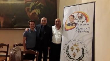 don Luciano con il Delegato per Nocera Cava e Resp. Culturale della Fondazione Giuseppe Cerchia (a sinistra)